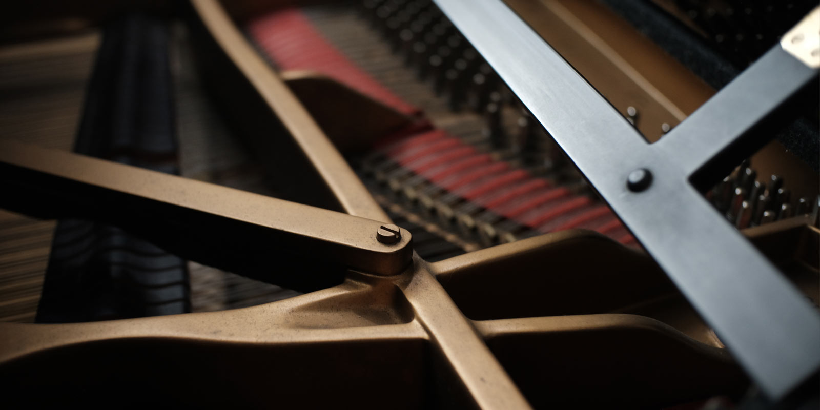 internal components of a piano